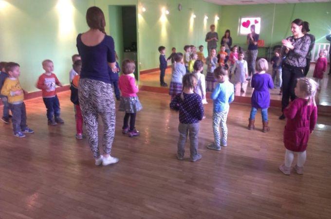 Międzynarodowy Dzień Tańca 2015 - Dzieci tańczą