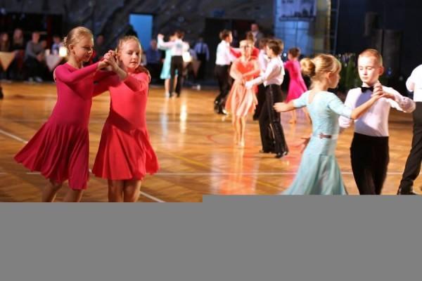 ttt-stardance-201503