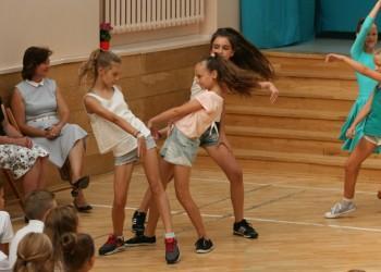 rozpoczecie-roku-szkolnego-tanecznego-2015-201610