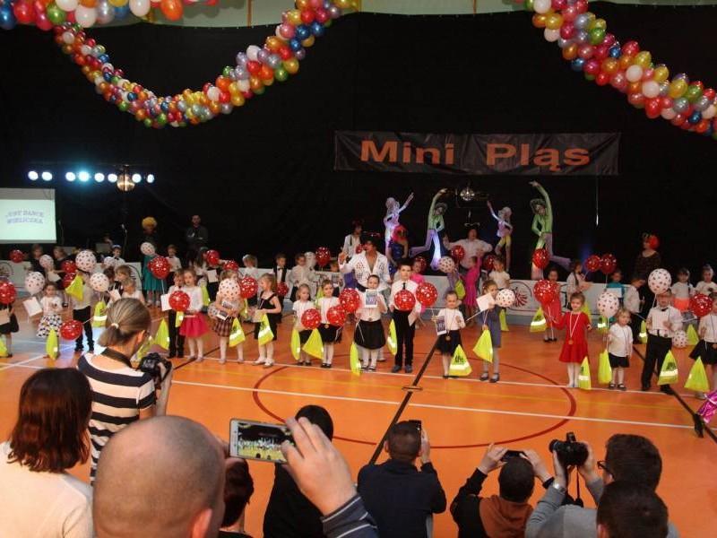 Miedzyklubowy-Turniej-Tanca-Mini-Plas-11